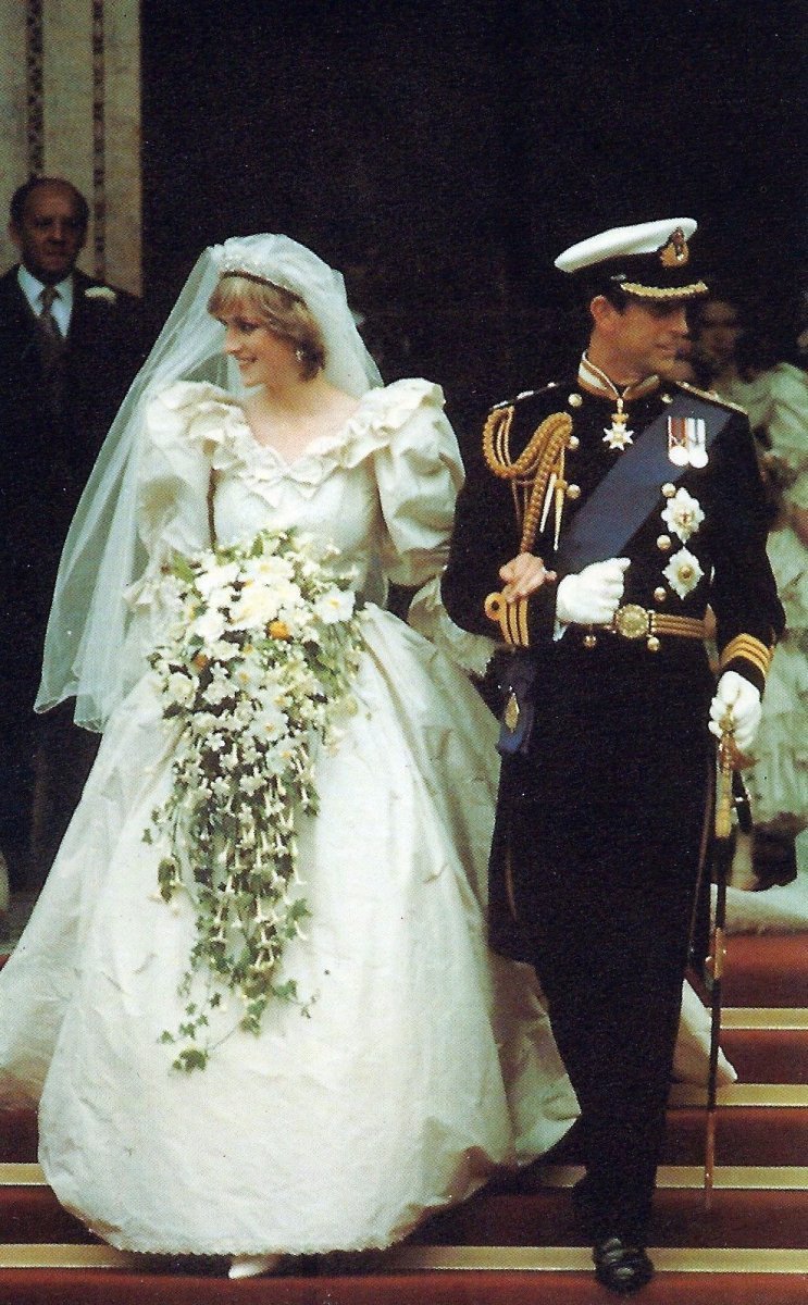 Princess Di on her wedding day with her beautiful bouquet.