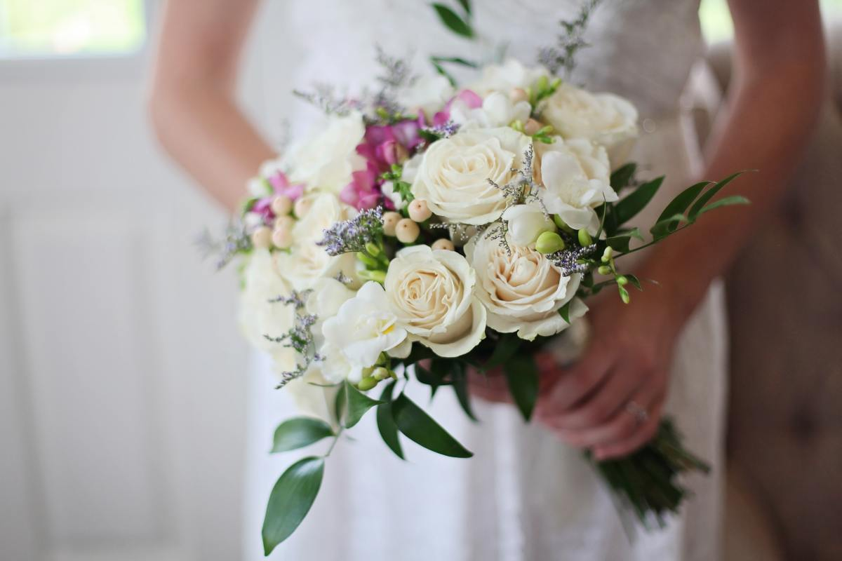 Tips For Making Your Own Wedding Bouquets Holidy