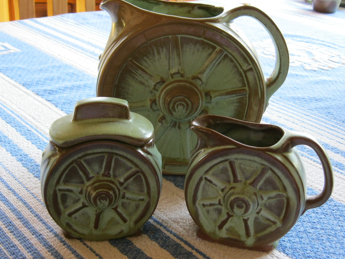 Wagon Wheel Frankoma Dinnerware in Prarie Green Color