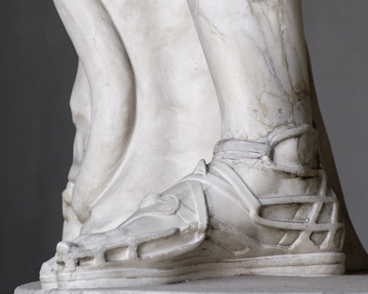 From a copy of an Ancient Roman statue, these gladiator sandals would look just fine today