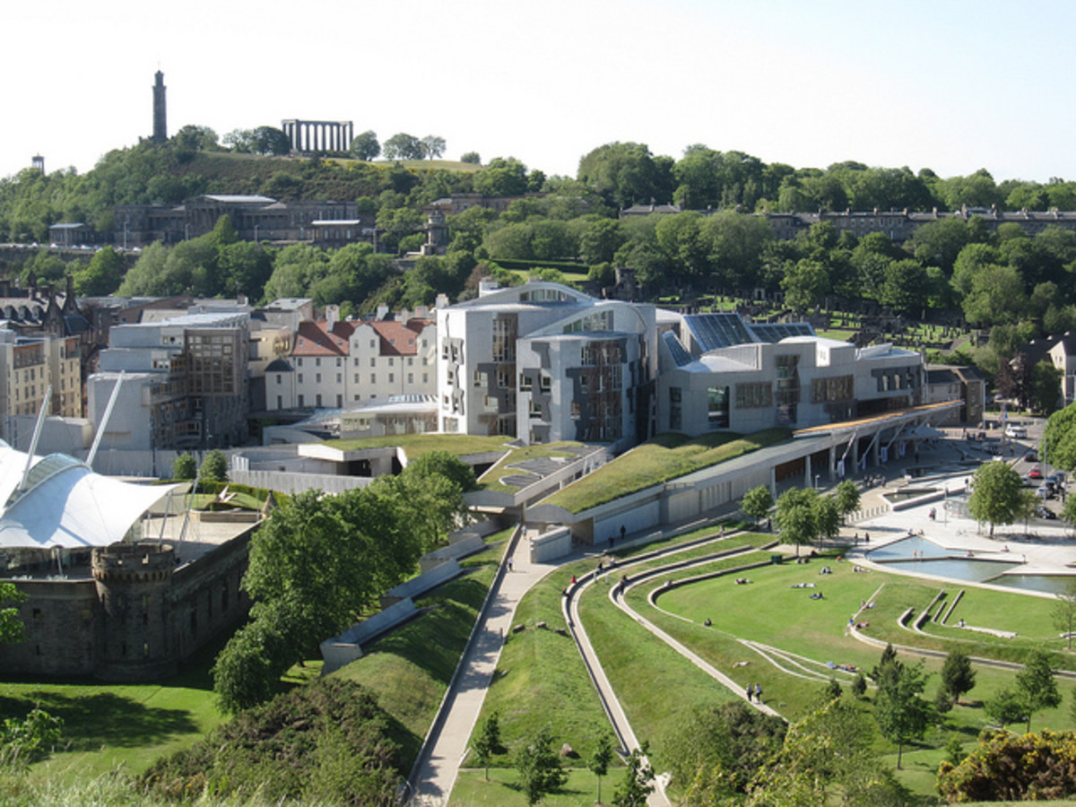 Masterpieces of Modern Architecture : The Scottish Parliament in Edinburgh