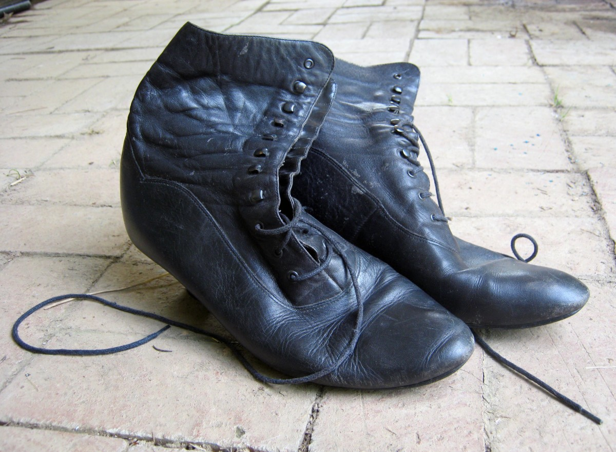 Front lace up boots