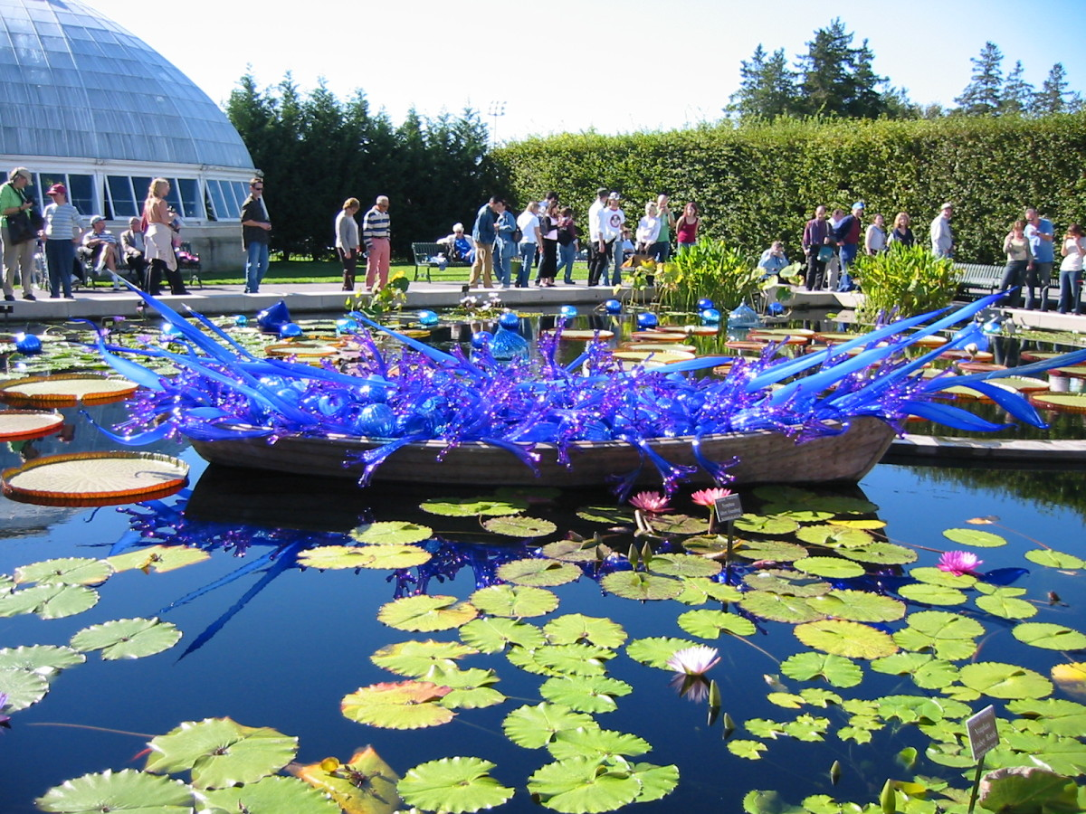chihuly glass sculptures at the bronx botanical garden feltmagnet
