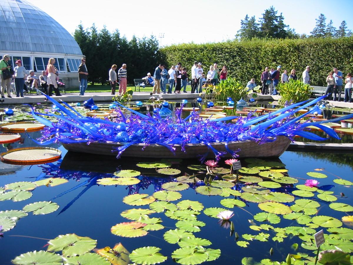 chihuly glass sculptures at the bronx botanical garden feltmagnet