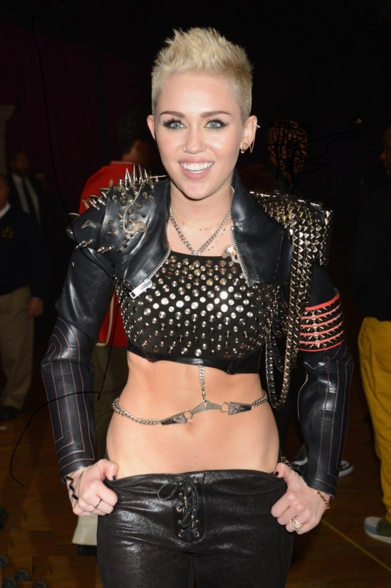 Miley Cyrus, a Sagittarian born on November 23, just couldn't get enough attention.