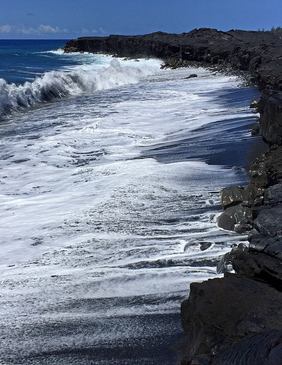 High surf at Kaimu black sand beach.