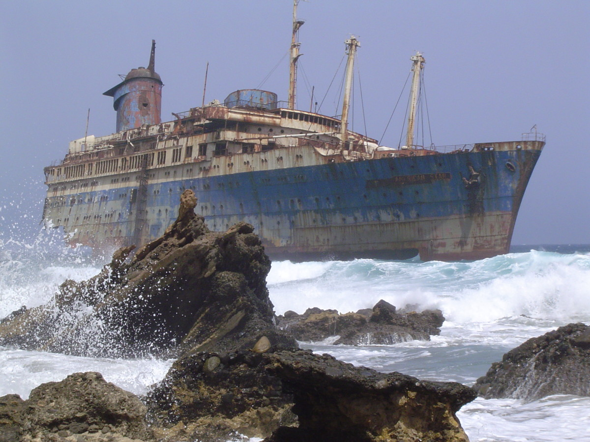 The SS American Star wrecked on the beach. This is how she looked in 2004.