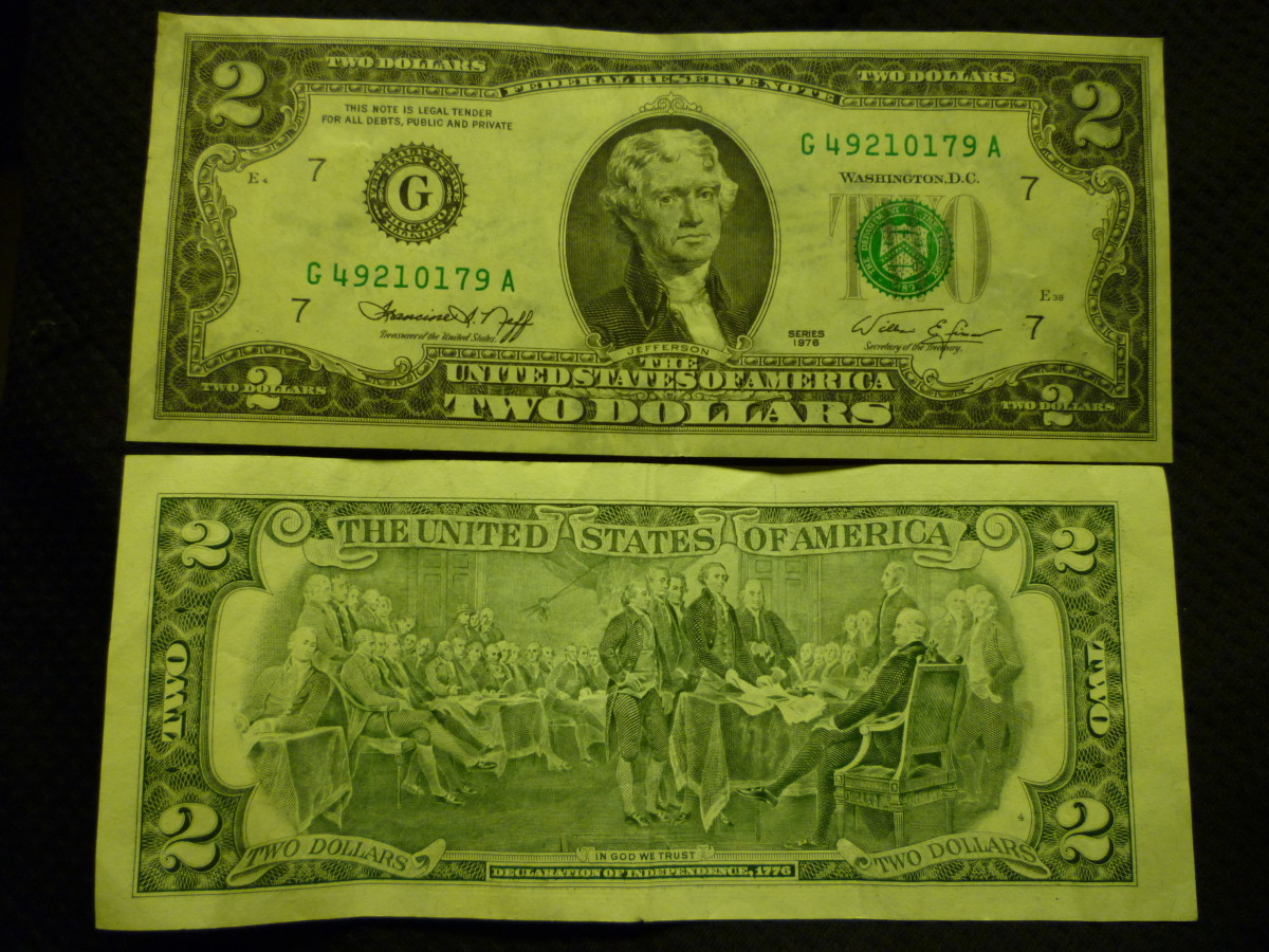 Front and back of a 1976 two-dollar bill