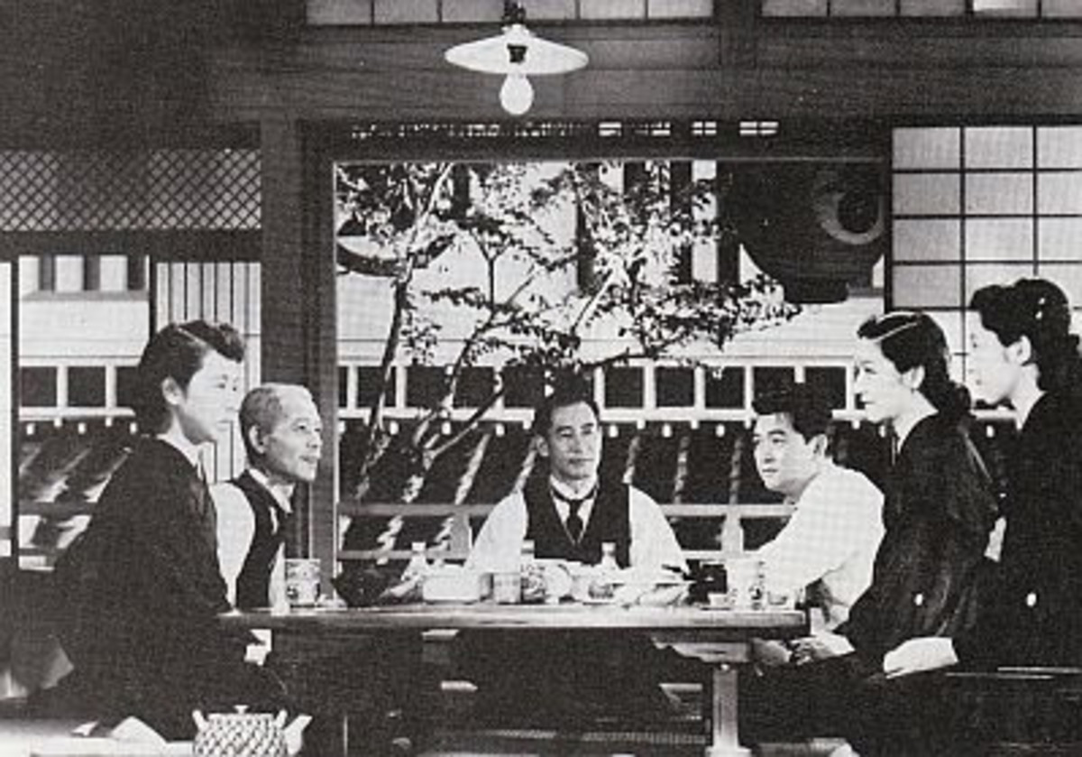 "An Analysis of Cinematography in Ozu's ""Tokyo Story"": Pillow Shots and Symmetry"