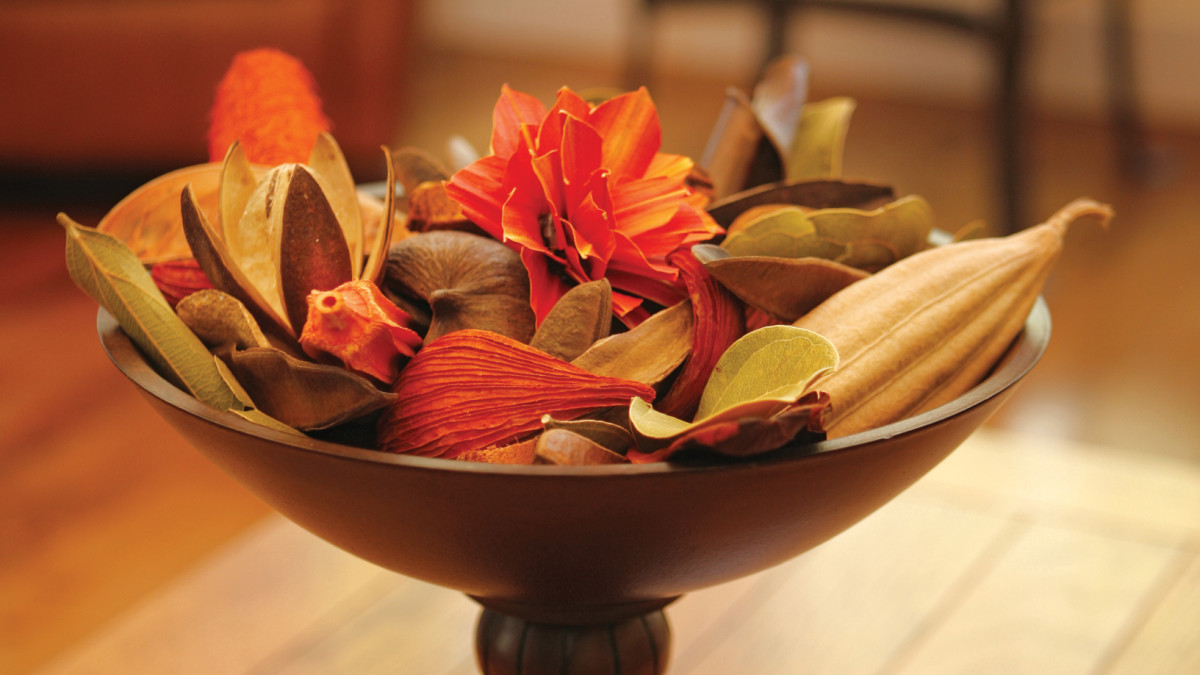 Homemade potpourri can make your home smell amazing for any season.