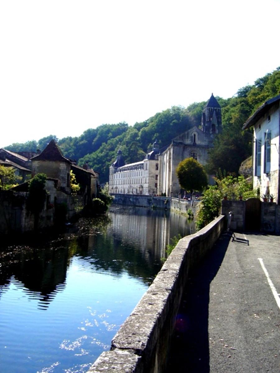 Exploring Brantôme, France (Caves, Waterways, and More)