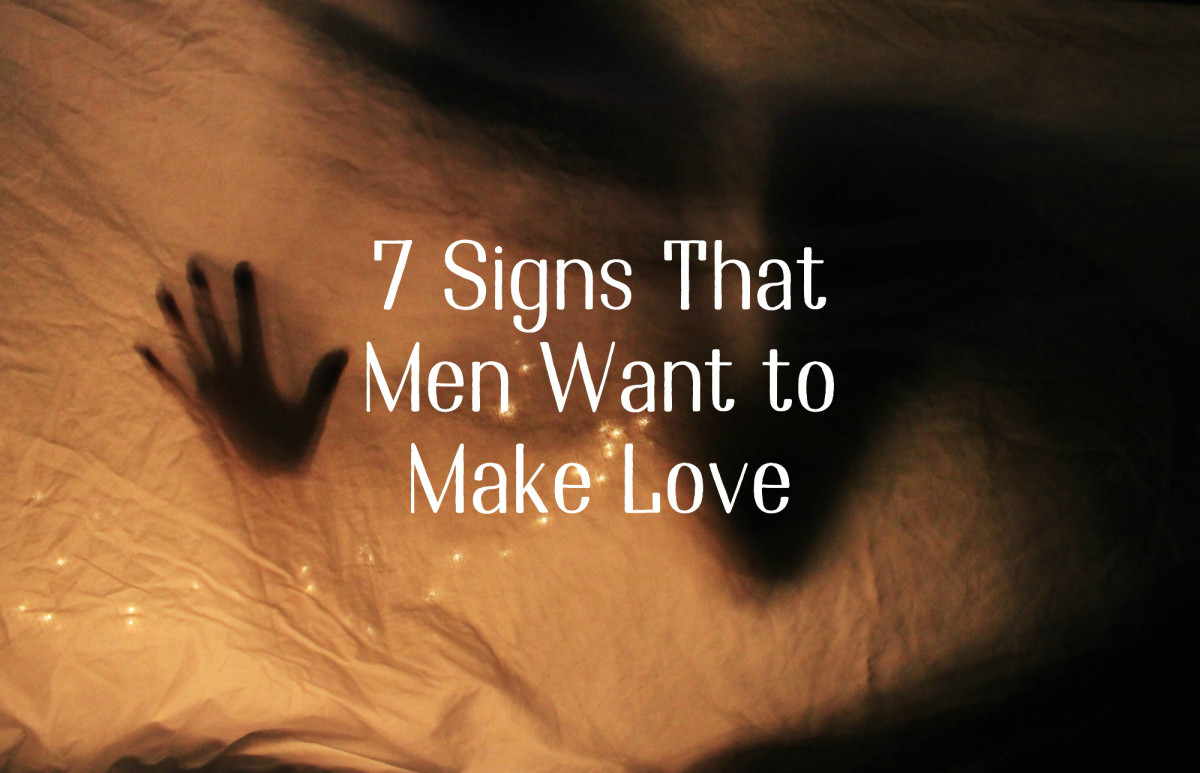 7 Signs That Men Want to Make Love
