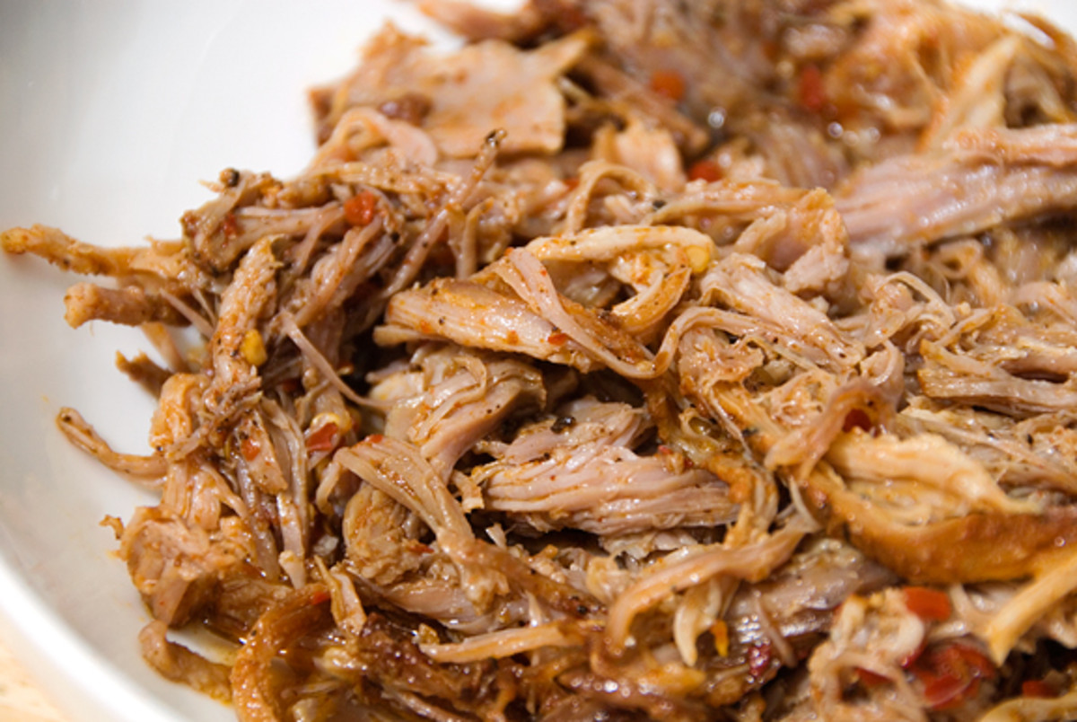 Eastern North Carolina-Style Pulled-Pork Sandwich With BBQ Sauce