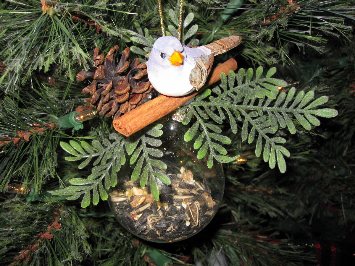 Three Easy Christmas Ornaments to Make With Clear Glass Balls