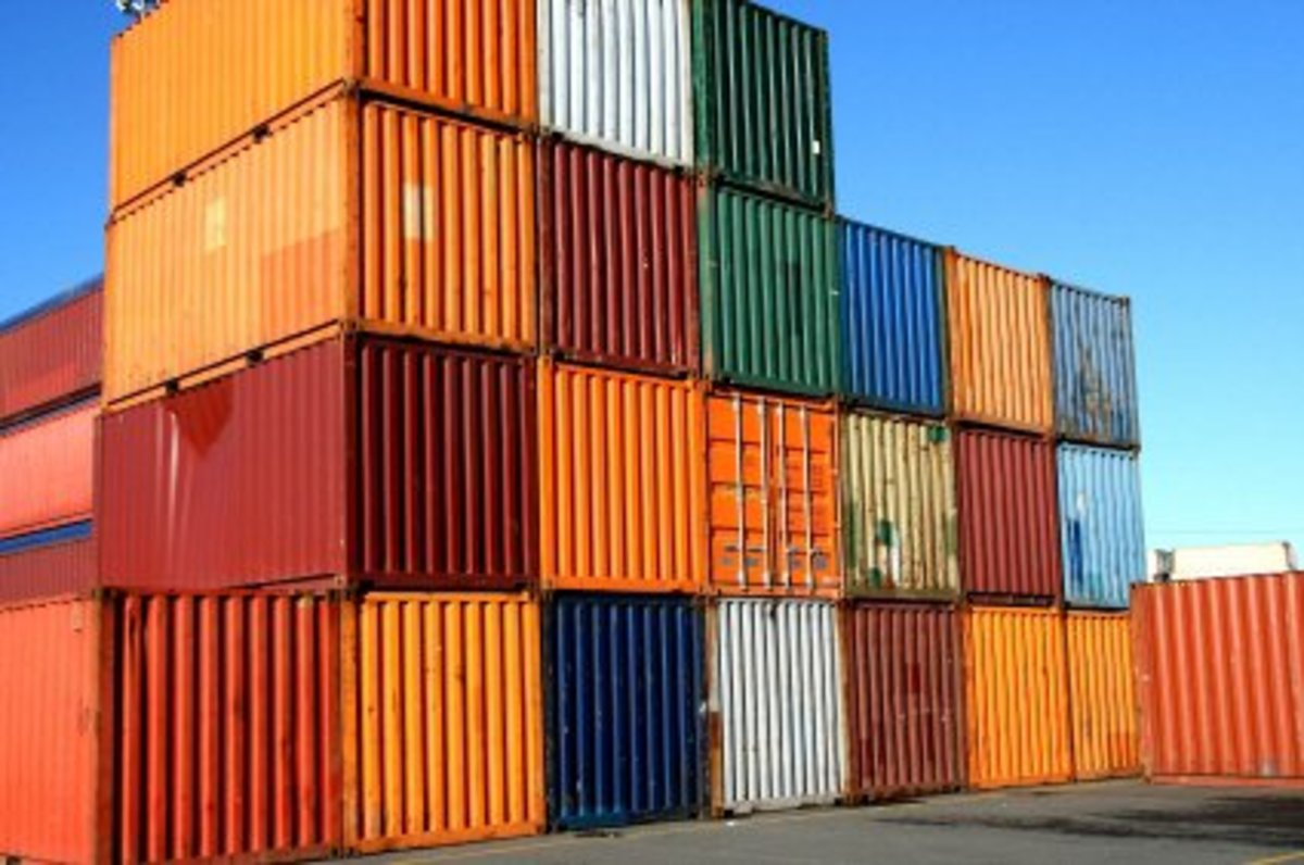 Pros and Cons of Building a Home Out of Shipping Containers
