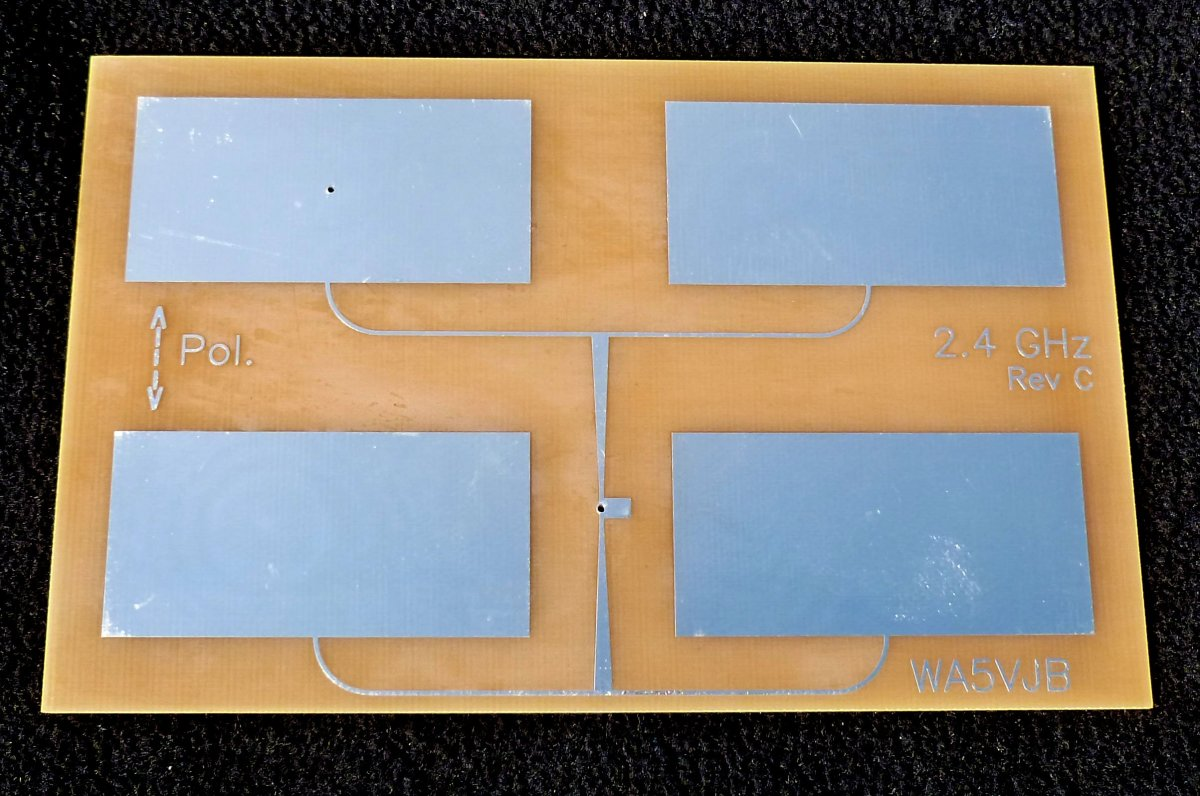 This Quad Patch antenna has the tapered power divider as part of the PCB antenna printed circuitry.