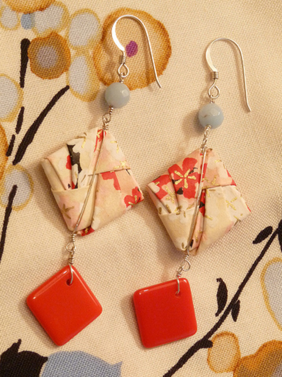 Make paper jewelry with leftover gift wrap.