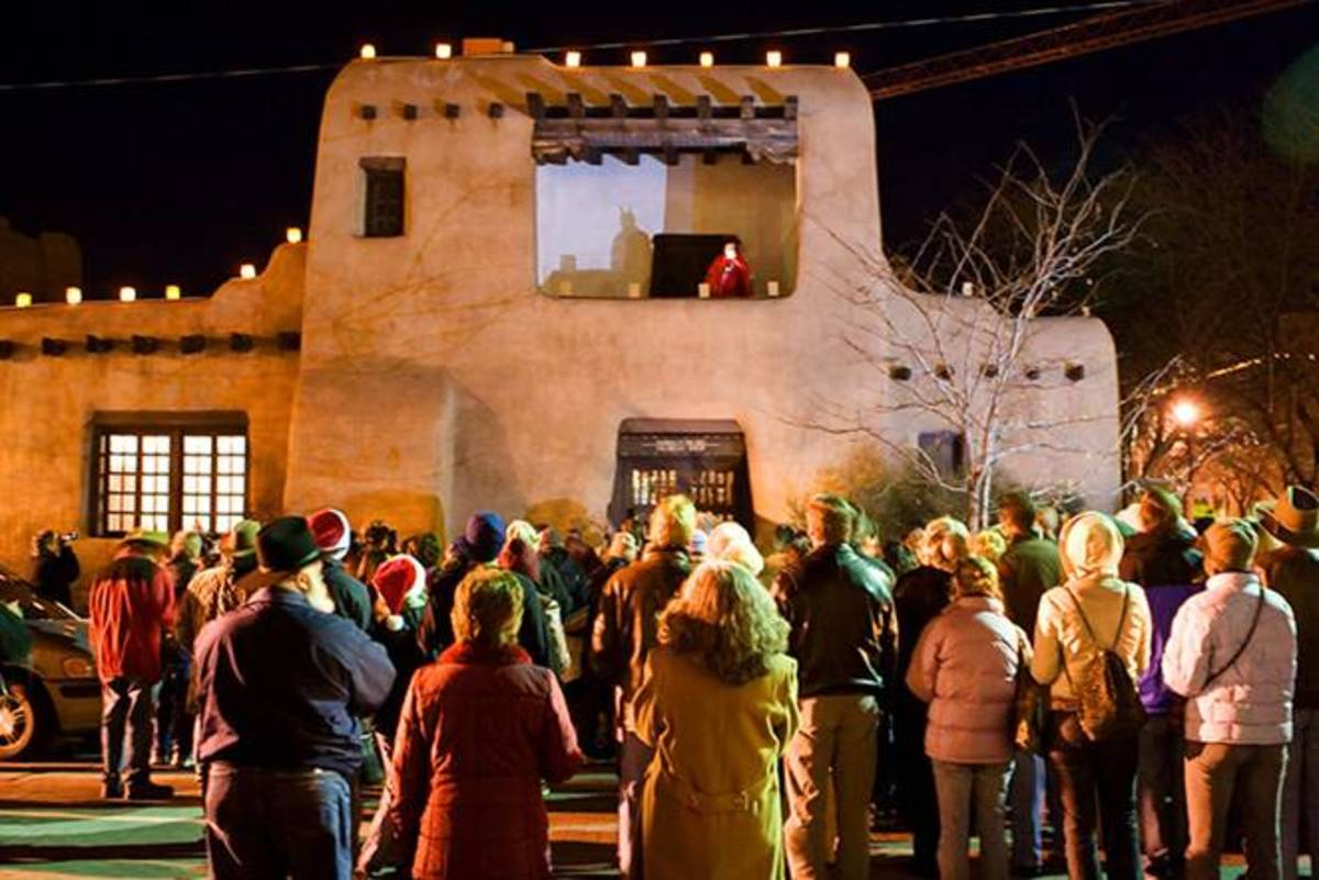 Las posadas are traditional Christmas processions in Mexico.