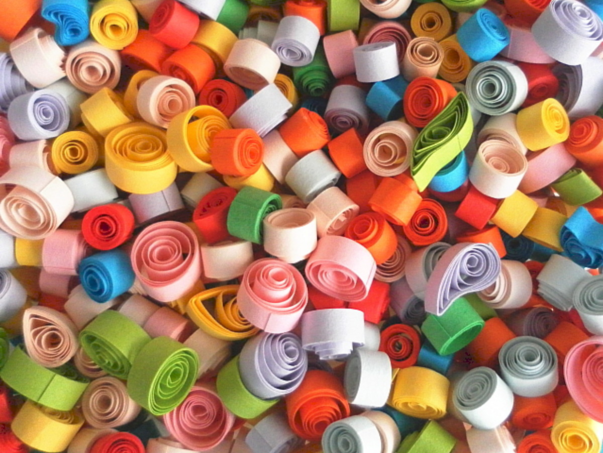 Free paper quilling tutorial here