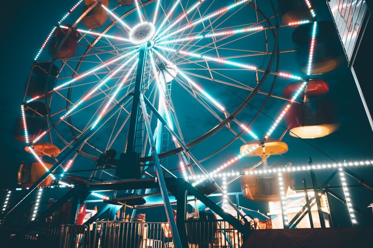 Ferris wheels are a quintessential feature of American amusement parks.