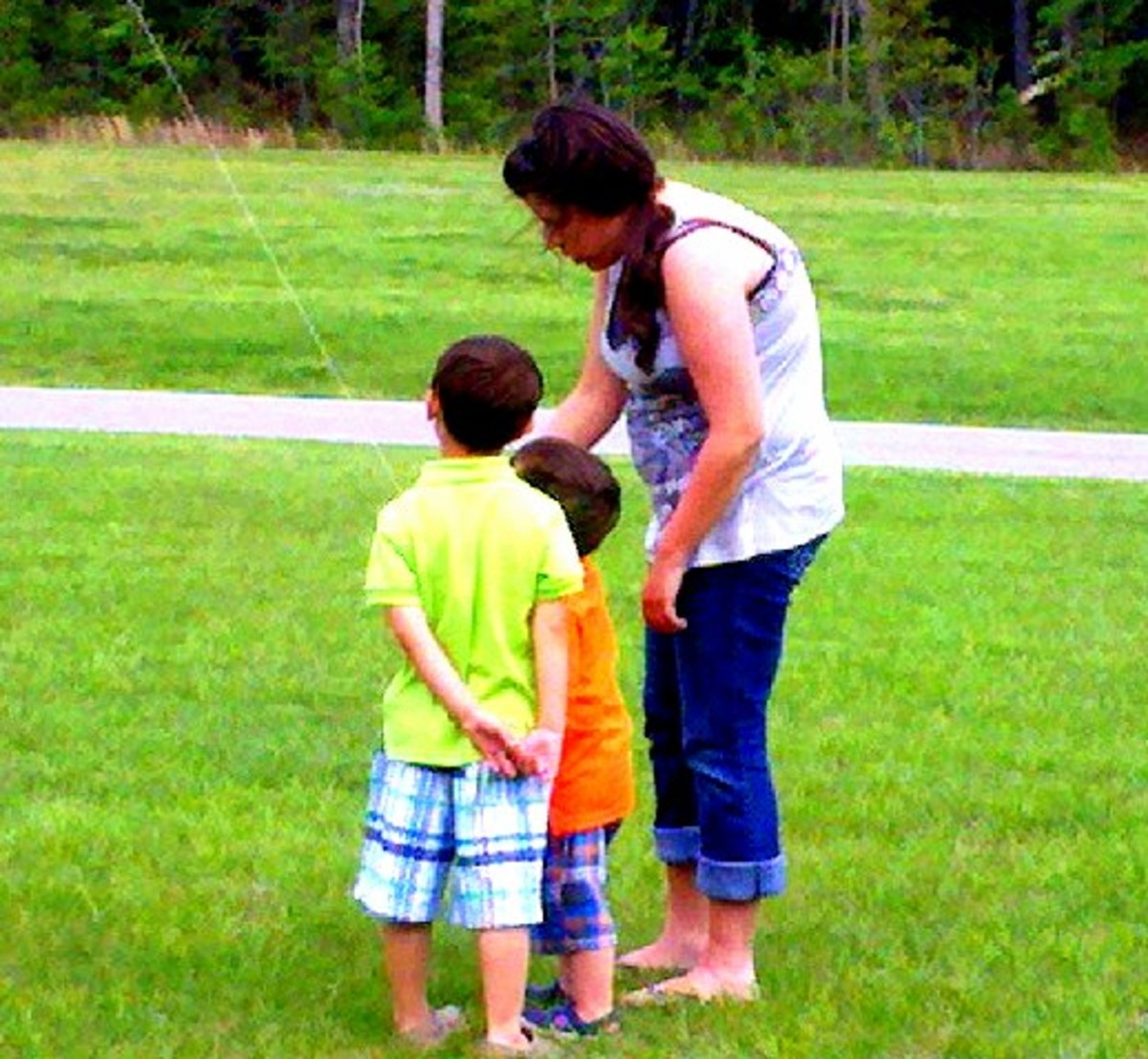 Money saving tips for families looking to cut the cost of babysitting service.