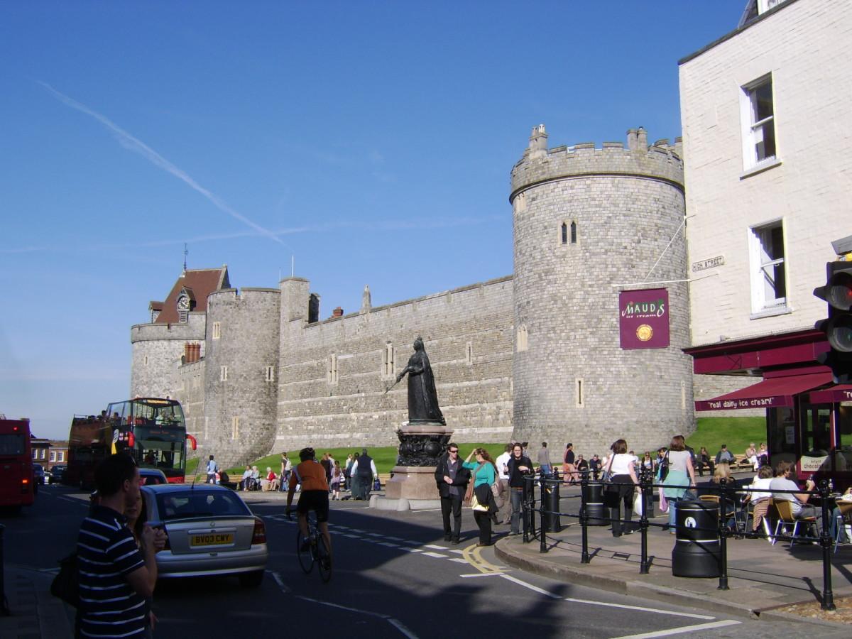 Windsor Castle: The World's Biggest and Oldest Inhabited Castle