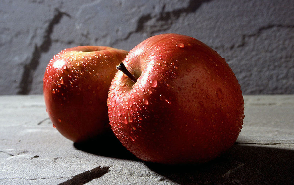 Facts And Health Benefits of Eating An Apple On Empty Stomach