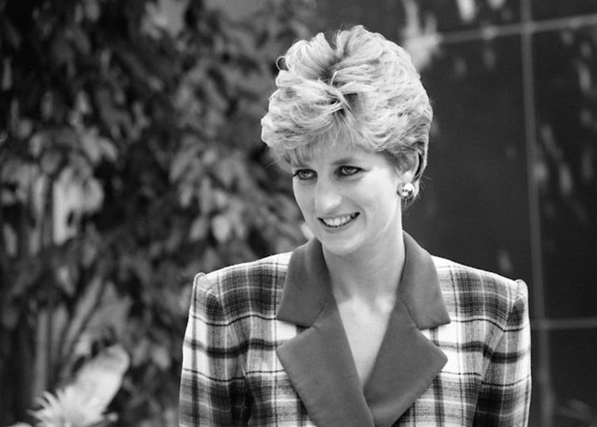 Diana, Princess of Wales ,was born under the sign of Cancer (birthday, July 1).