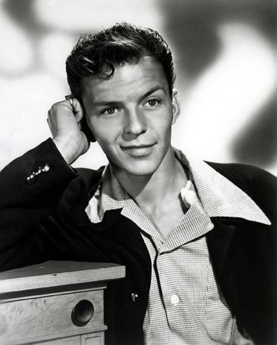 Frank Sinatra recorded with vocal groups to circumvent the recording ban.