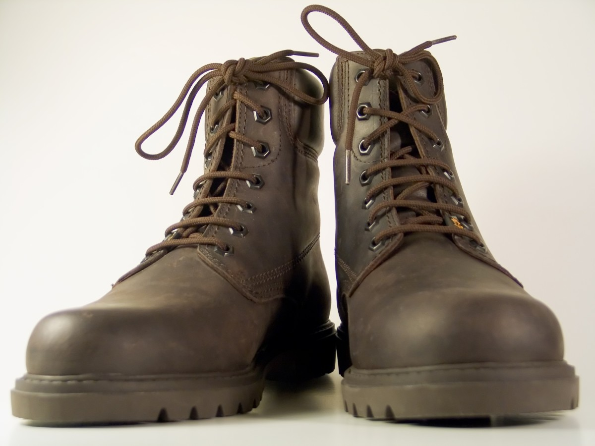 Use Shoe Polish to Change the Color of Your Boots