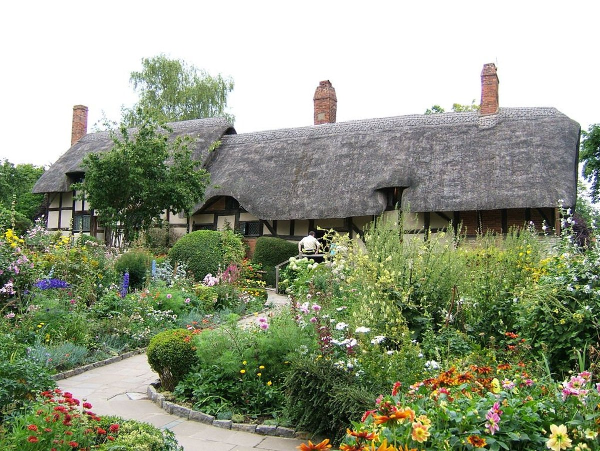 Anne Hathaway's cottage garden at Shottery, Warwickshire, England