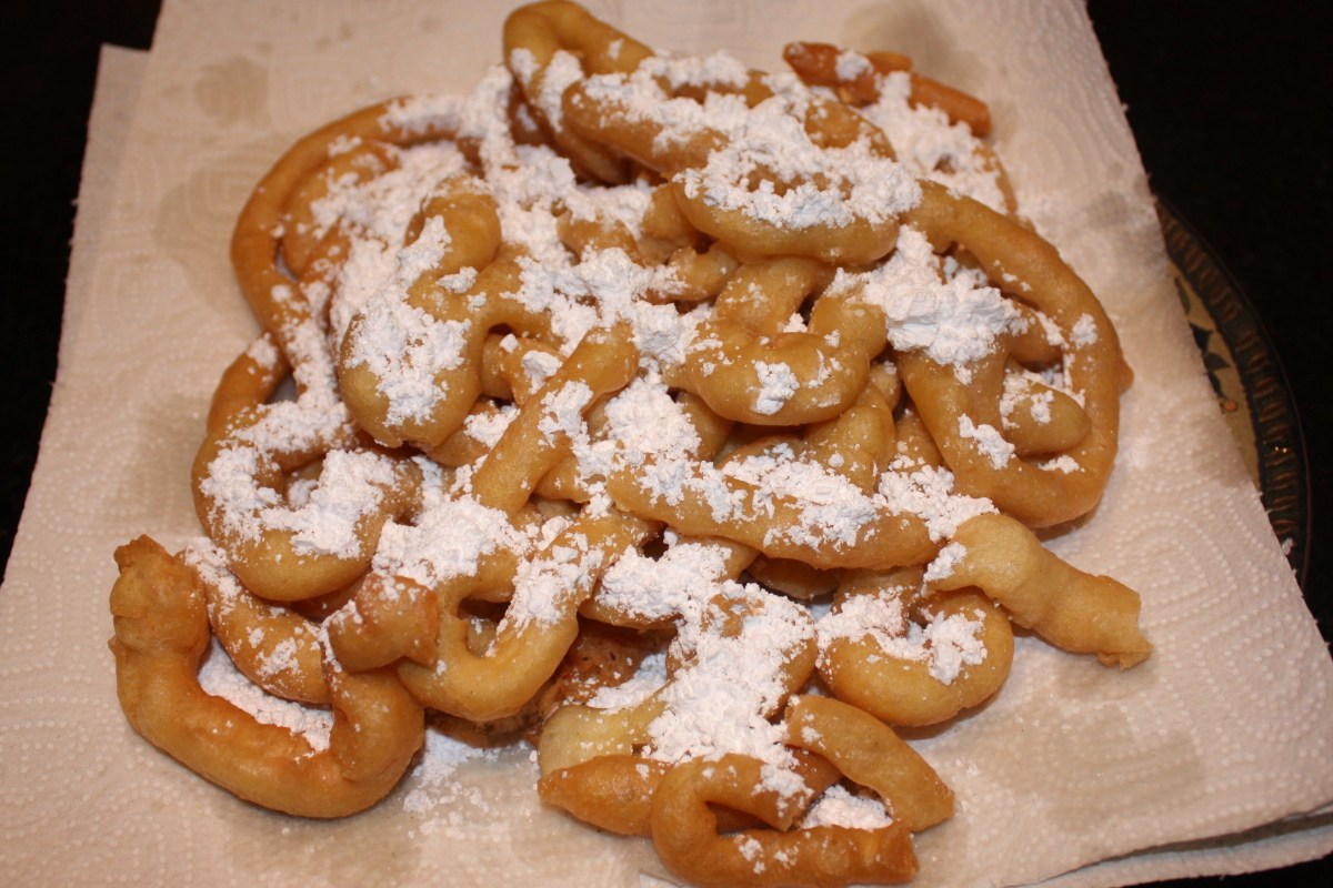 How to Make Carnival Style Funnel Cakes At Home! (Recipe)
