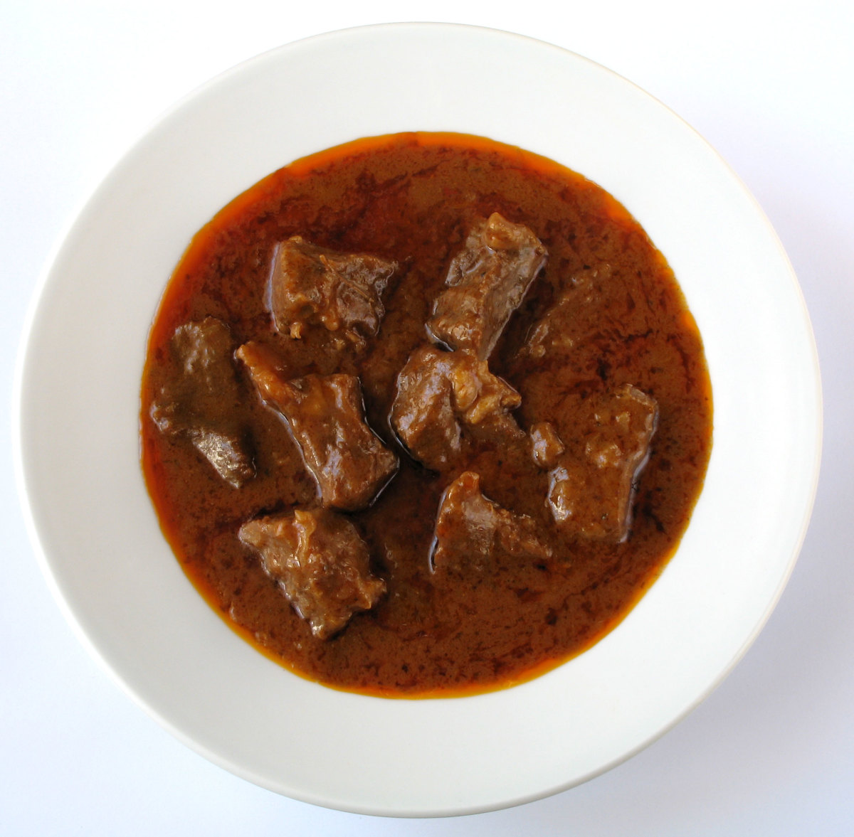 Cantonese Beef Stew with White Turnips (Daikon Radish)