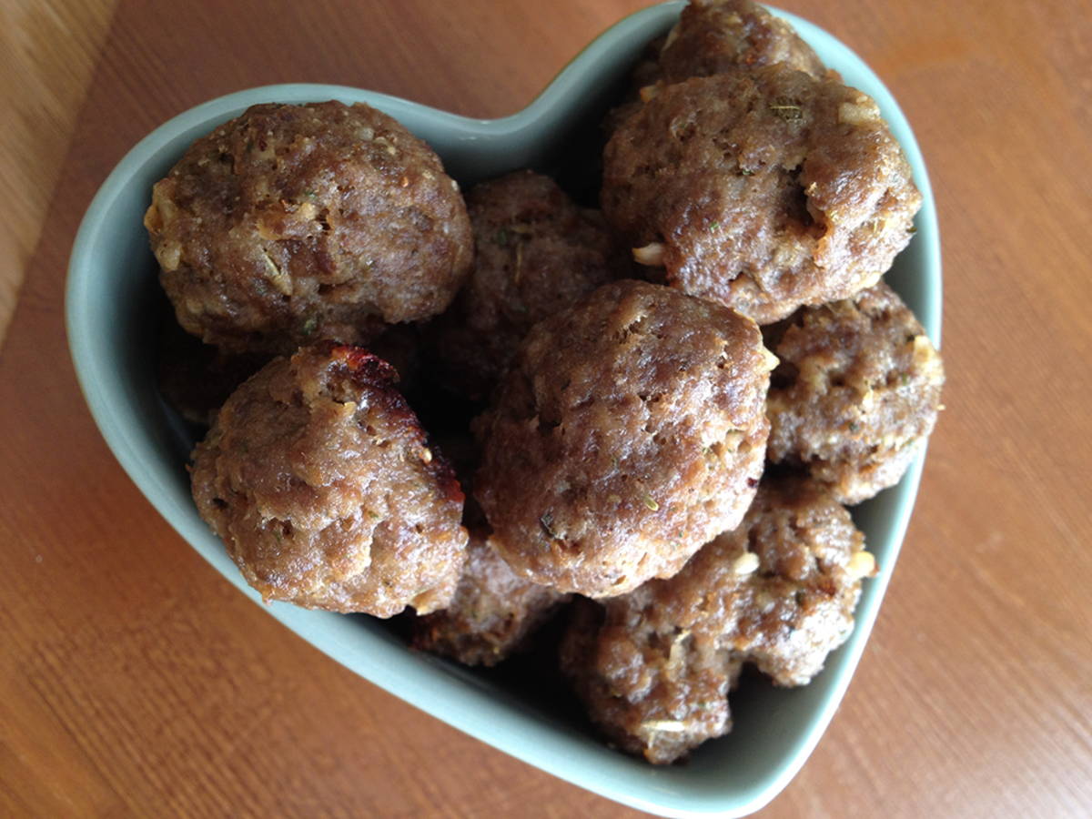 Quick and Easy Homemade Italian Meatballs Recipe | Delishably