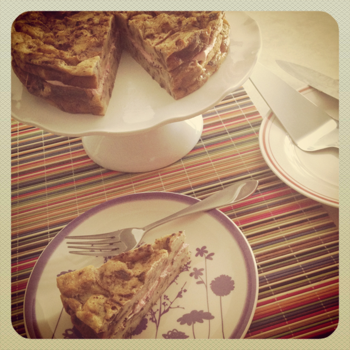 How to Make Cinnamon Raisin Bread Pudding Cake