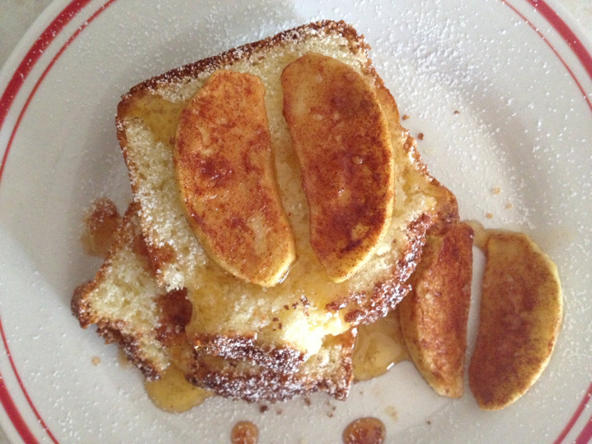 Homemade Sugar and Cinnamon Sweet Cornbread With Baked Apple Slices
