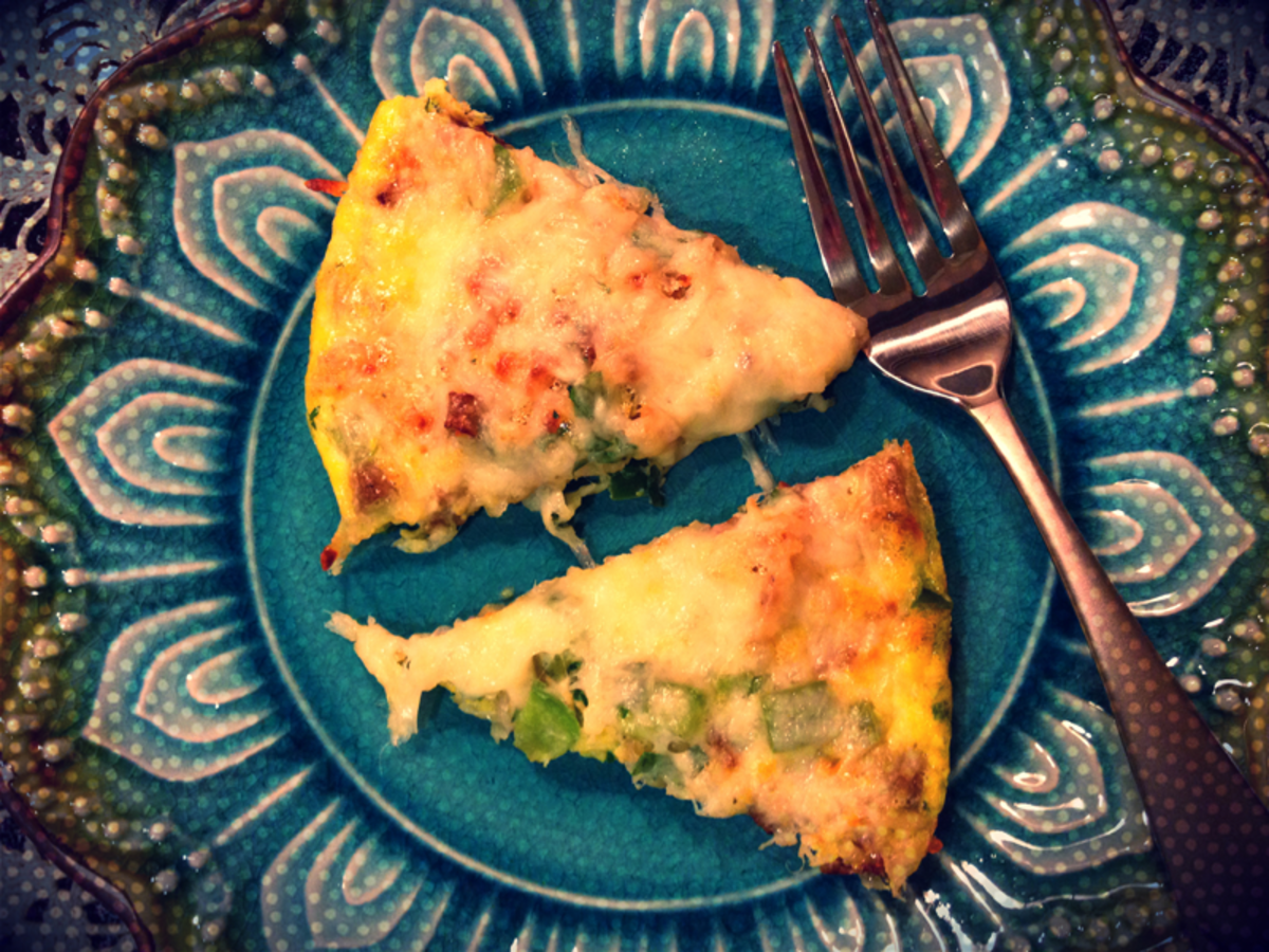 Turkey Sausage and Green Pepper Egg Pizza