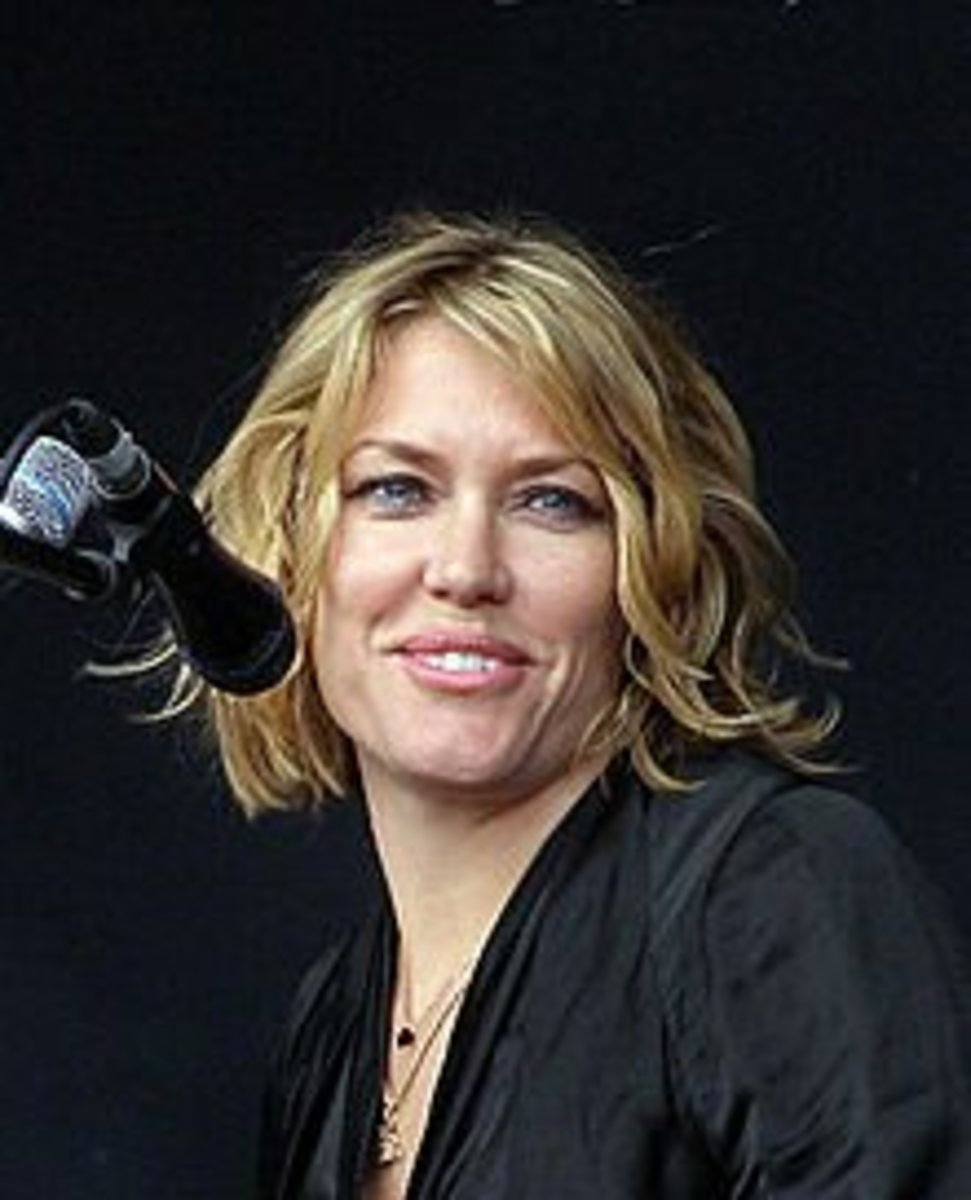 Cerys Matthews is a bilingual singer/songwriter.