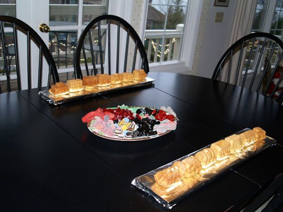 Making and Decorating a Cake Train
