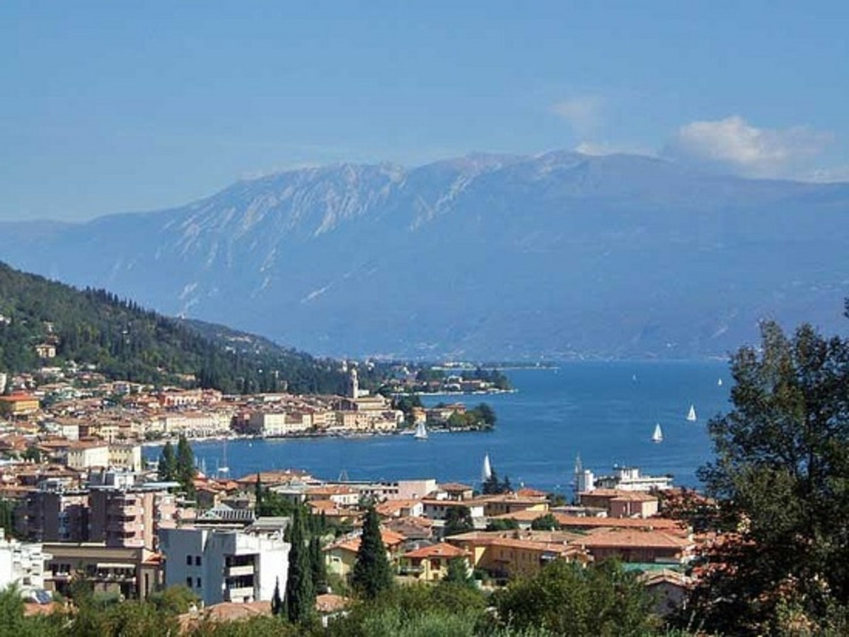 A Rough Guide to Lake Garda in Italy : Things to do in Salò