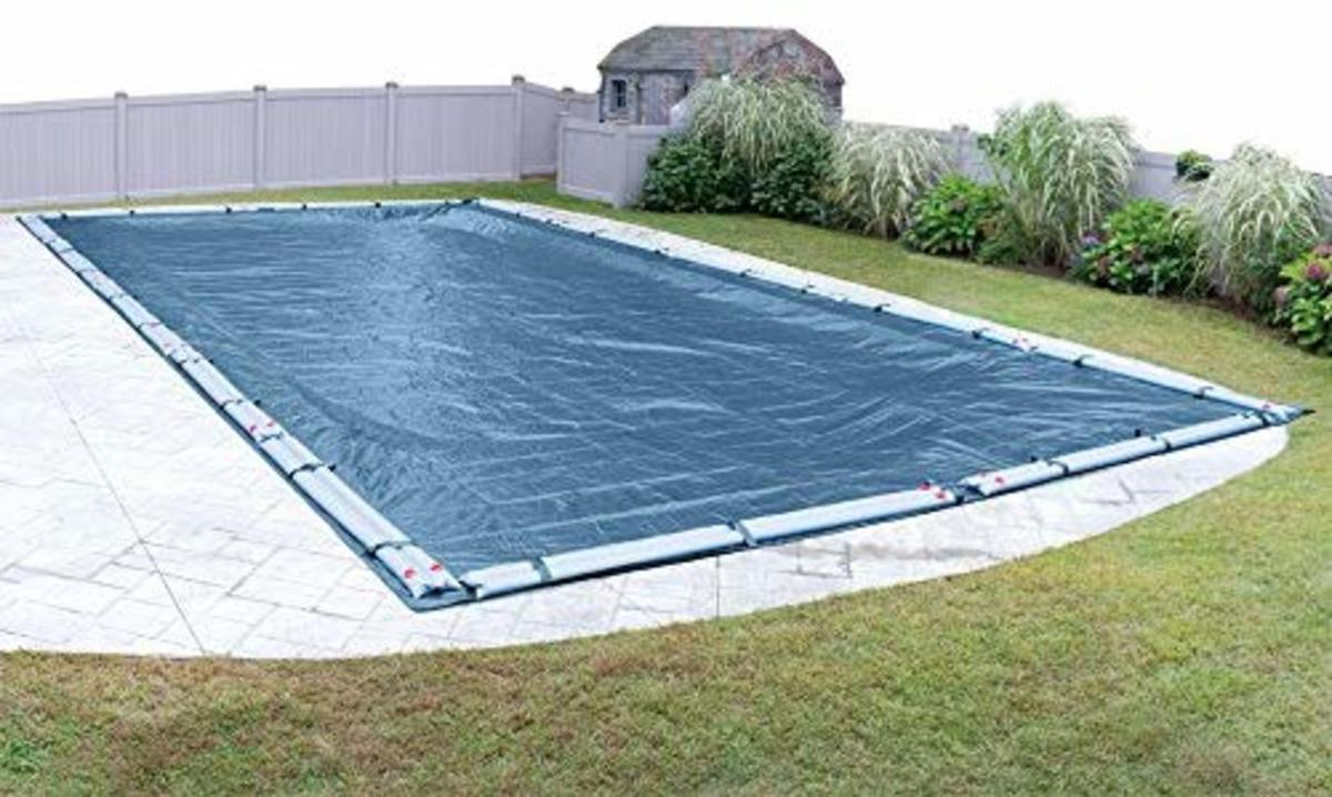 The use of a pool cover during winter is essential to preventing the growth of algae and other problems from arising.