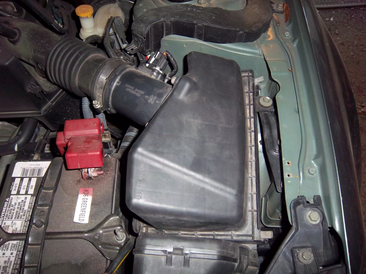 I Am Going To Show You How To Replace The Engine Air Filter In A 2006 Nissan  Altima. The Procedure Is The Same Or Similar For Many Nissans.