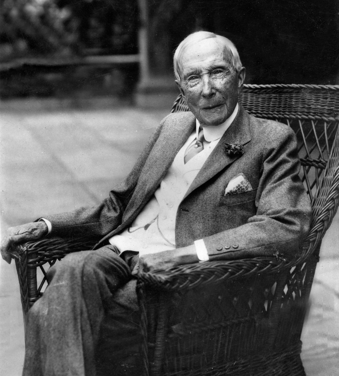 Richest People: John D Rockefeller, Donald Trump, and Mitt Romney
