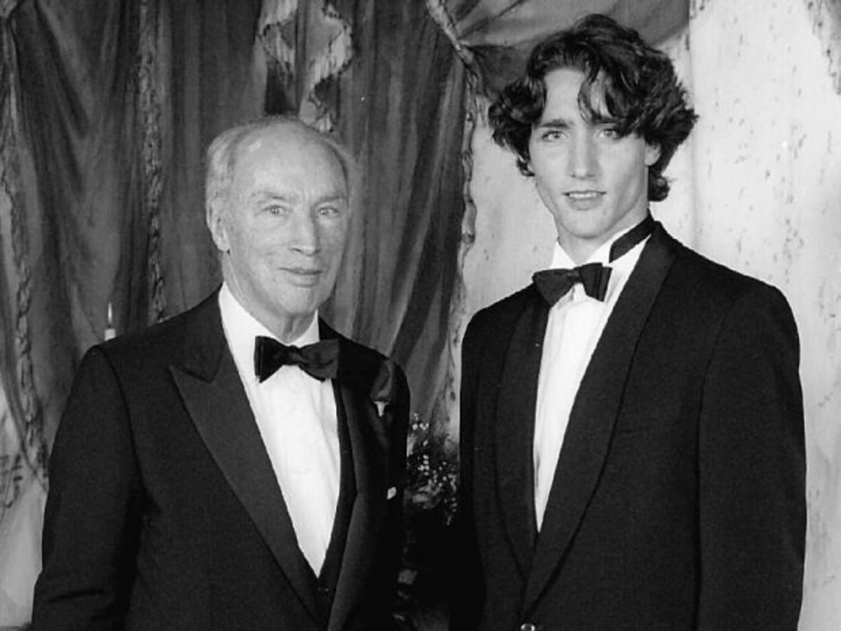 The Trudeaus, Canada's Political Dynasty: A Photo History