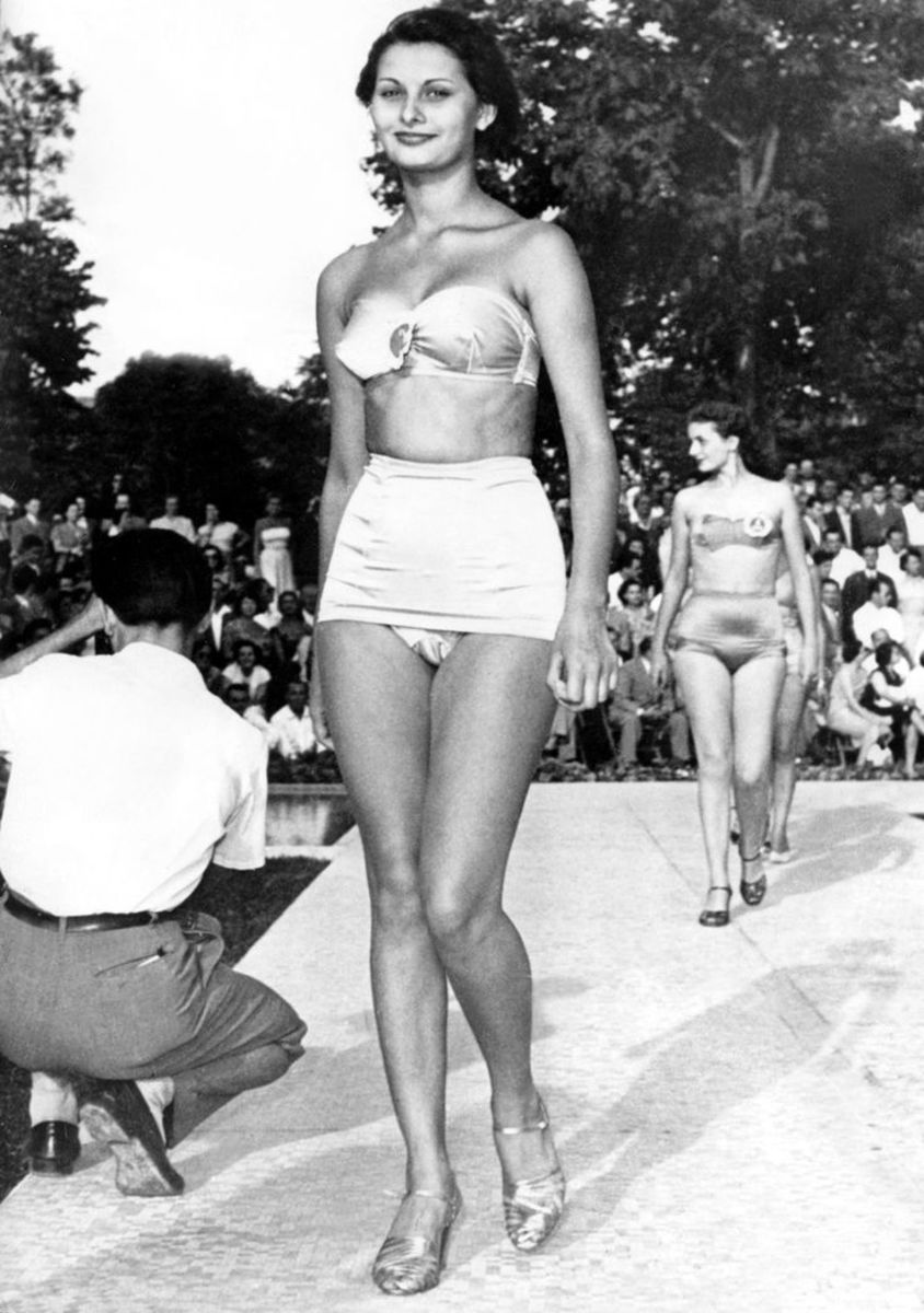 15 year old Sophia Loren at a beauty contest
