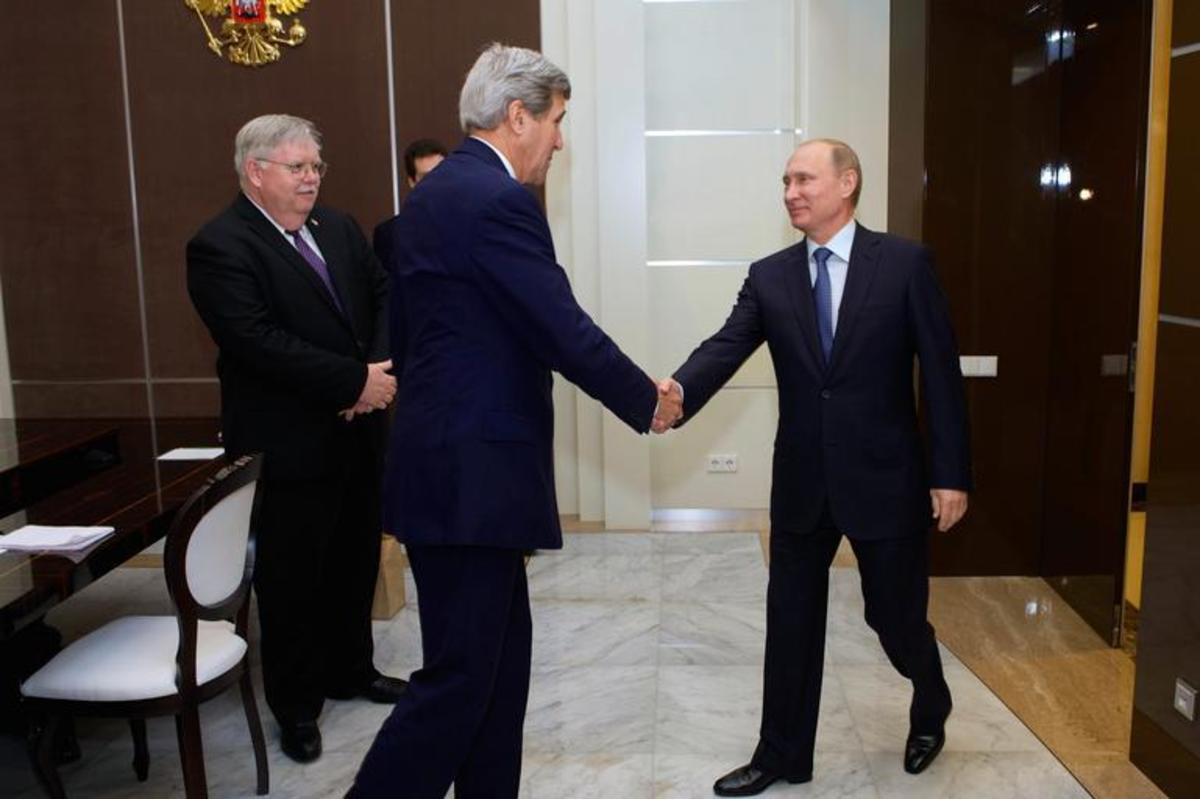 Vladimir Putin meets with the U.S. Secretary of State