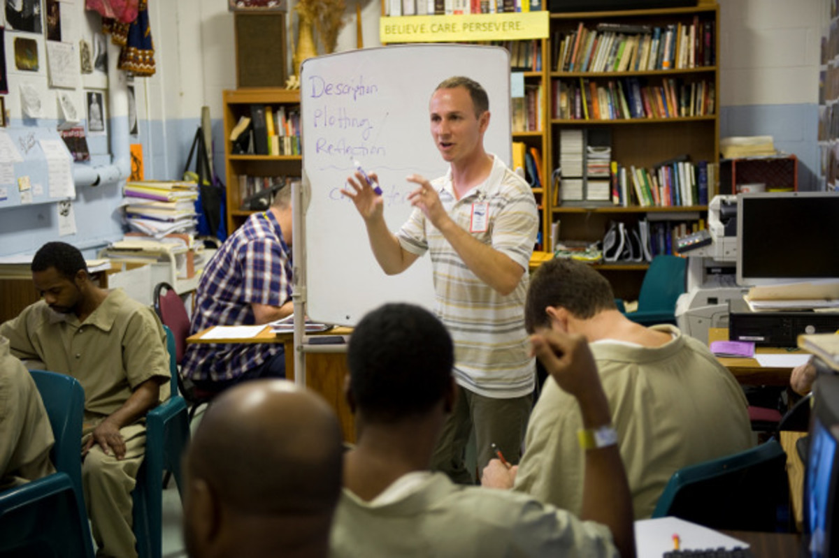 'Writing Our Way Out' Class Keeps Offenders out of Jail