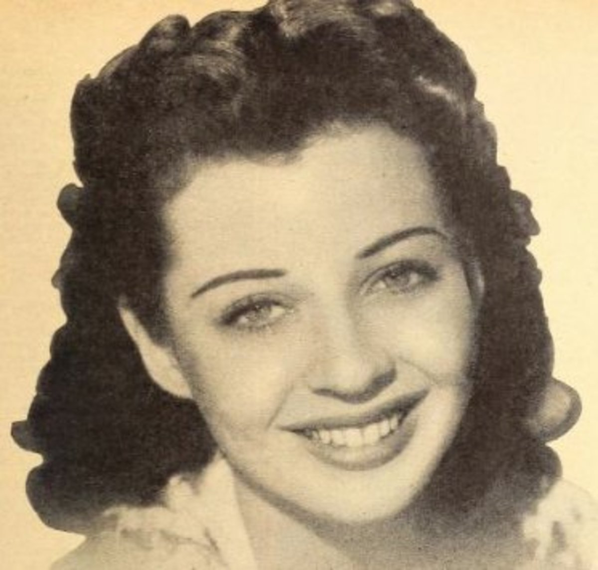 Publicity photo of actress Gail Russell.