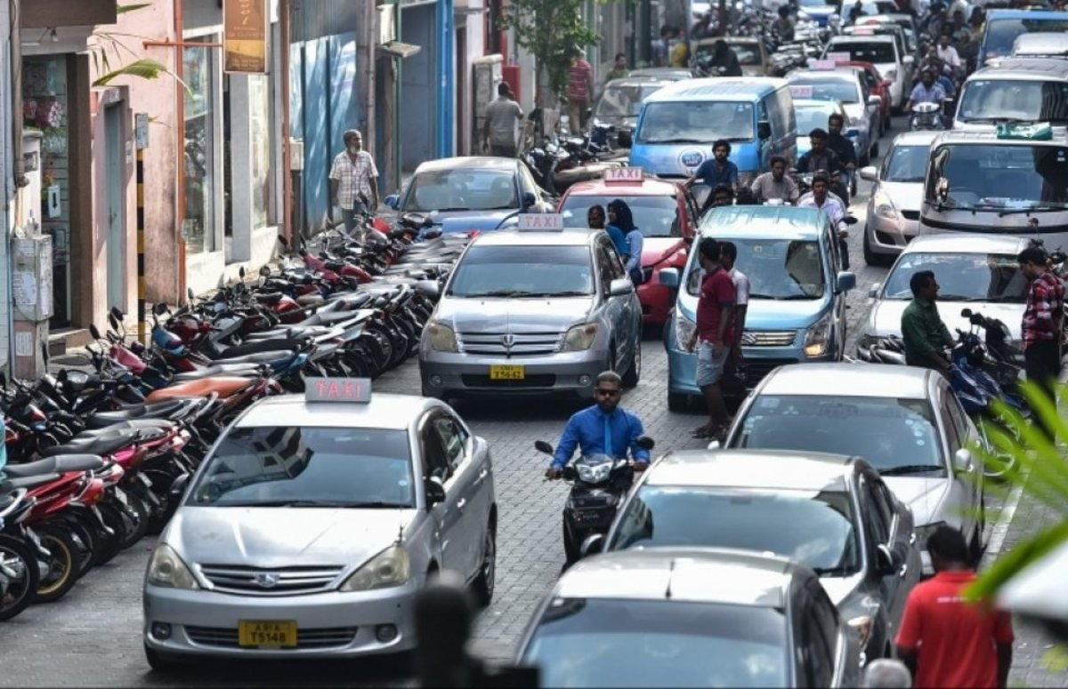 A congested road in Malé