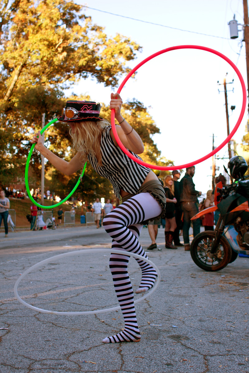 5 Cool Hula Hoop Tricks & Tips